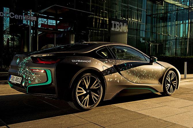 IBM i Grupa BMW rozpoczynają wspólny projekt, superkomputer IBM Watson odpowie za komfort jazdy samochodami BMW.