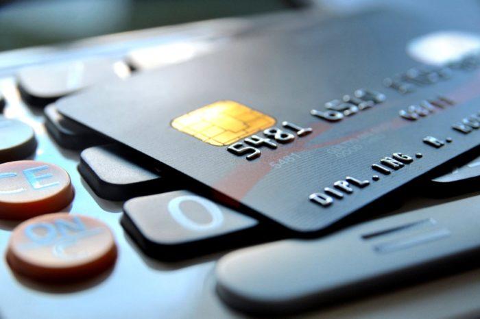 Blisko 40% organizacji finansowych przyznaje, że nie potrafi odróżnić czy transakcja jest realizowana przez klienta, czy oszusta.
