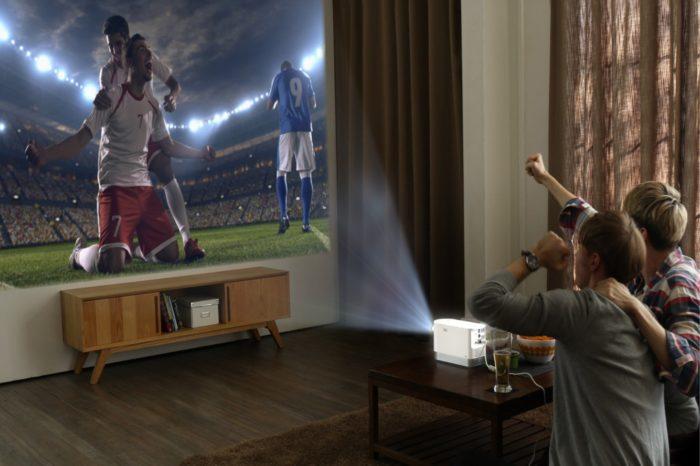 CES 2017: LG zaprezentuje wyjątkowy projektor o jasności 2000 lumenów, kompaktowe wymiary i system webOS