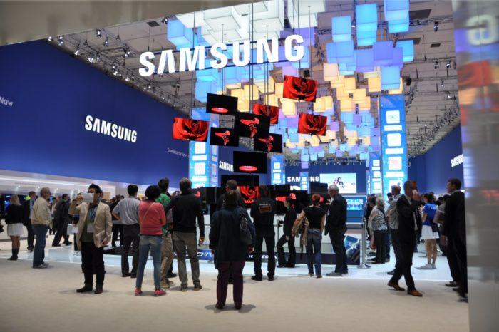 Podczas kongresu Fly&More firma Samsung Electronics Polska zaprezentuje nowe, innowacyjne rozwiązania komunikacji biznesowej dla portów lotniczych.