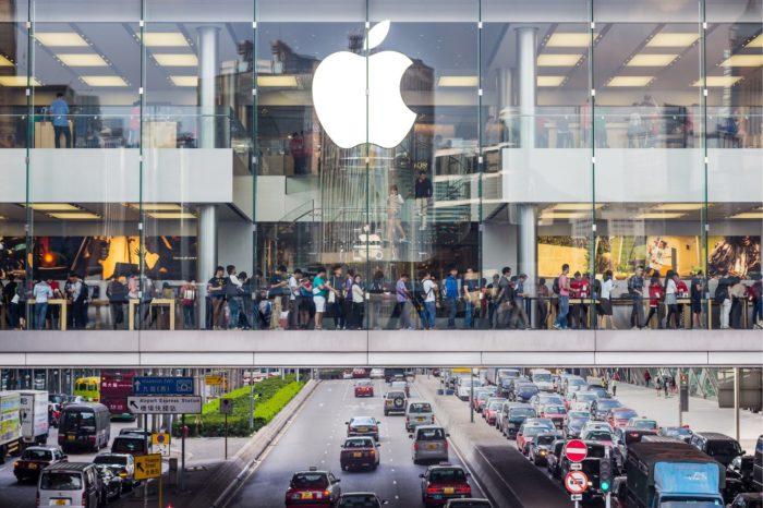 Apple, najcenniejsza firma technologiczna na świecie poinformowała, że stała się jedną z największych ofiar epidemii koronawirusa w Chinach, firma informuje że sprzedaż iPhone nie osiągnie oczekiwanych wyników w Q1.