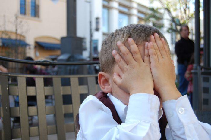 Kompromitujące zachowanie dorosłych w sieci, to bardzo zły przykład: dzieci nie są zachwycone zachowaniem swoich rodziców.