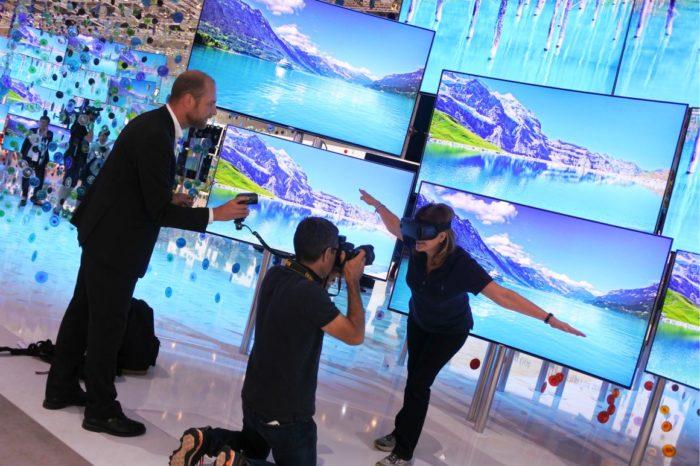 SAMSUNG na MWC 2017 zaprezentował innowacyjne projekty z obszarów wirtualnej (VR) i rozszerzonej rzeczywistości (AR).