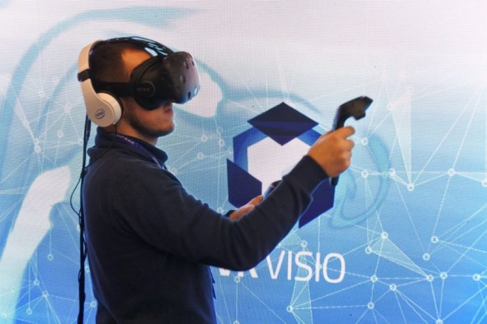 Wirtualna rzeczywistość pomoże nam w zakupach? Nowości technologicznych, które niebawem zobaczymy w sklepach.
