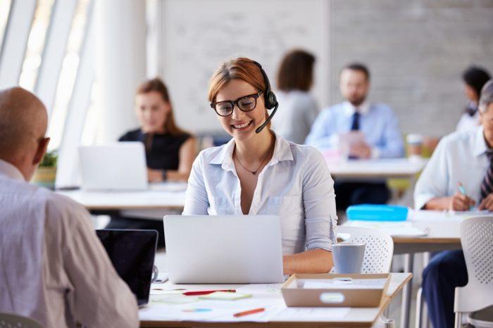 Sprawna i dostosowana do potrzeb obsługa klienta, bezpośrednio wpływa na poziom sprzedaży. Które branże muszą zmierzyć się z rewolucją w obsłudze klienta?