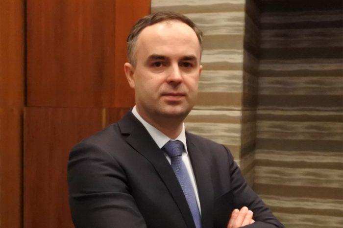 Nowym dyrektorem finansowym AB S.A. został Pan Rafał Michalczuk, przejmuje on stery finansów grupy AB od Pana Grzegorza Ochędzana.