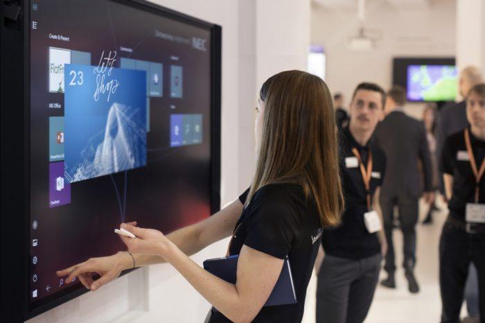 NEC Display Solutions podczas tegorocznych targów ISE w Amsterdanie zaprezentował InfinityBoard, rozwiązanie NEC do kreatywnej pracy zespołowej.
