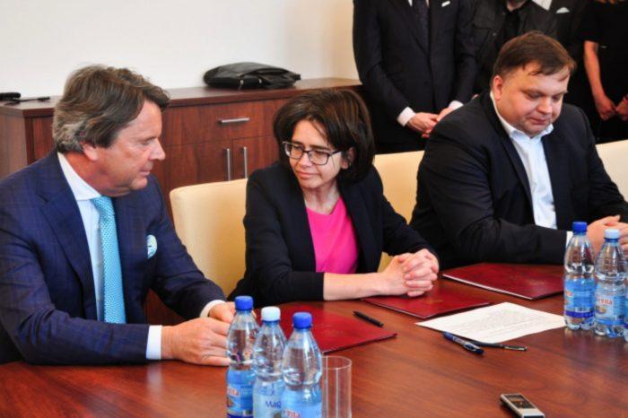 Netia zawarła z Ministerstwem Cyfryzacji porozumienie w ramach Ogólnopolskiej Sieci Edukacyjnej OSE - podłączy blisko 1000 szkół.