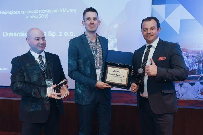 Dimension Data Polska nagrodzona za największą sprzedaż rozwiązań VMware w 2016 roku, podczas gali Partner Leadership Summit 2017.