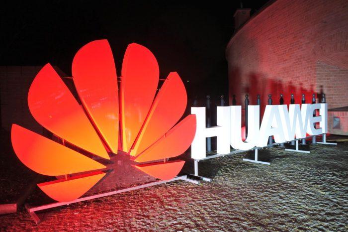 Huawei Polska sprawdził, w jakich okolicznościach i w jaki sposób Polacy korzystają z tabletów.
