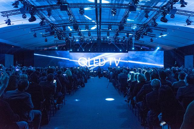 Samsung zaprezentował w Paryżu najnowszą linię QLED TV oraz telewizor The Frame, podczas światowej premiery w Paryżu.
