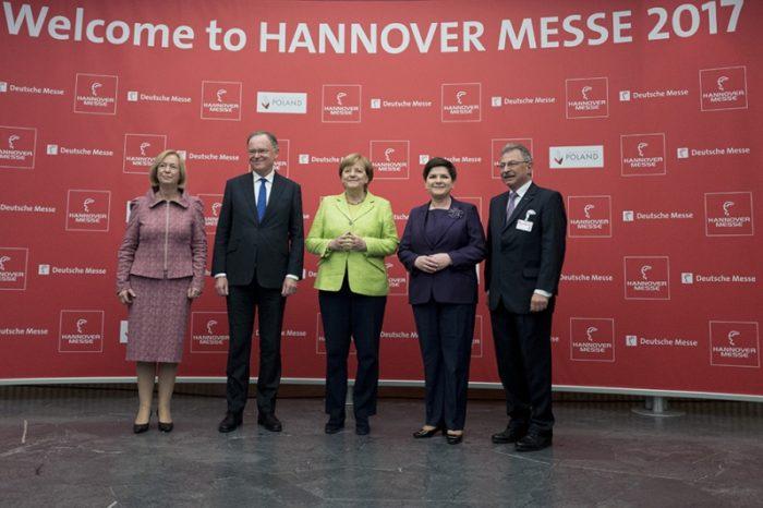 Premier Polski Beata Szydło wspólnie z kanclerz Niemiec Angelą Merkel otworzyła w niedzielę międzynarodowe targi przemysłowe Hannover Messe 2017.
