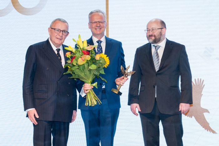 """Asseco Poland otrzymało nagrodę główną – Orła """"Rzeczpospolitej"""" w kategorii najlepsza firma nowej gospodarki."""