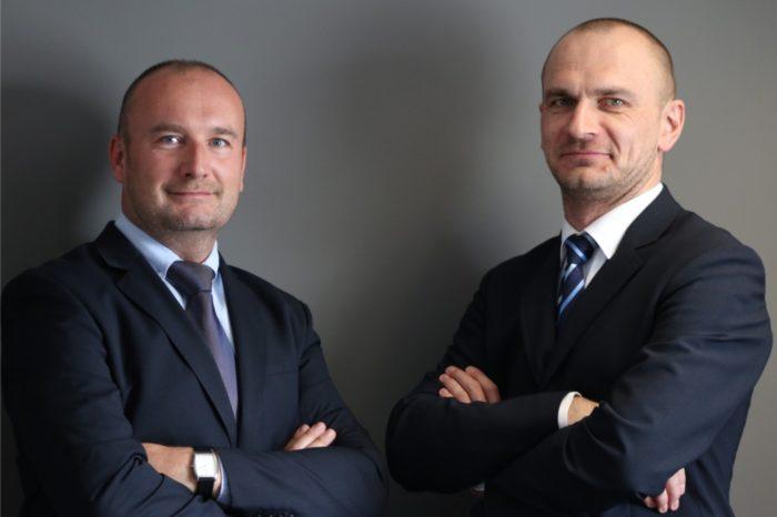 Strategiczne decyzje personalne w polskim oddziale NEC Display Solutions - zmiany w modelu zarządzania sprzedażą.