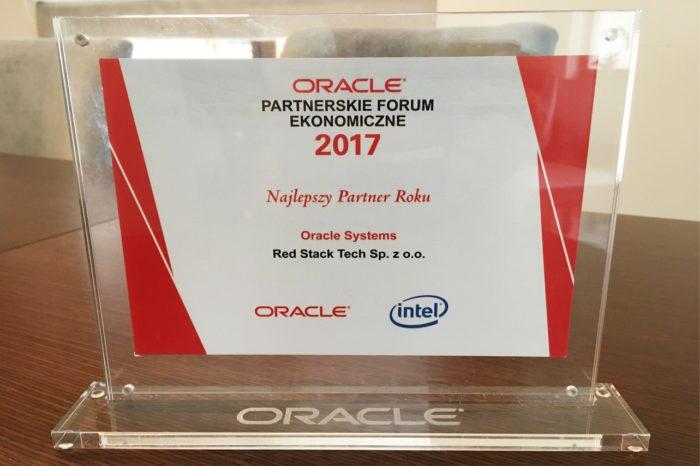 """Red Stack Tech otrzymała od Oracle Polska wyróżnienie """"Najlepszy Partner Roku"""" w kategorii Oracle Systems."""