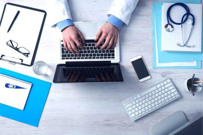 Nowelizacja ustawy o świadczeniach pieniężnych z ZUS, elektroniczne zwolnienia lekarskie będą obowiązkowe już za rok.