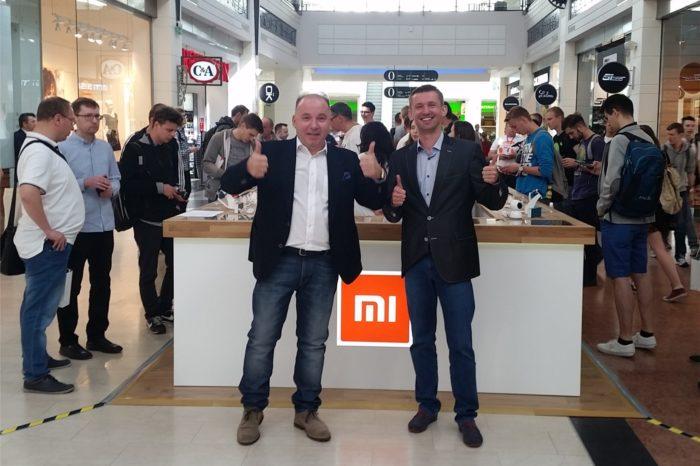 Xiaomi przy wsparciu ABC Data otwiera pierwszą w Polsce specjalną strefę sygnowana logo Xiaomi - Mi Zone w Arkadii.