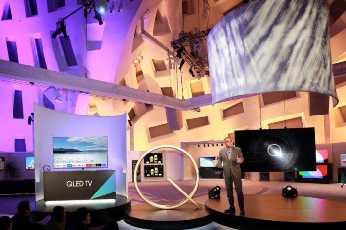 Chcesz cieszyć się bogatą ofertą filmów i seriali? Z telewizorami Samsung z serii QLED, Premium UHD lub UHD z 2017 roku otrzymasz jeszcze więcej!