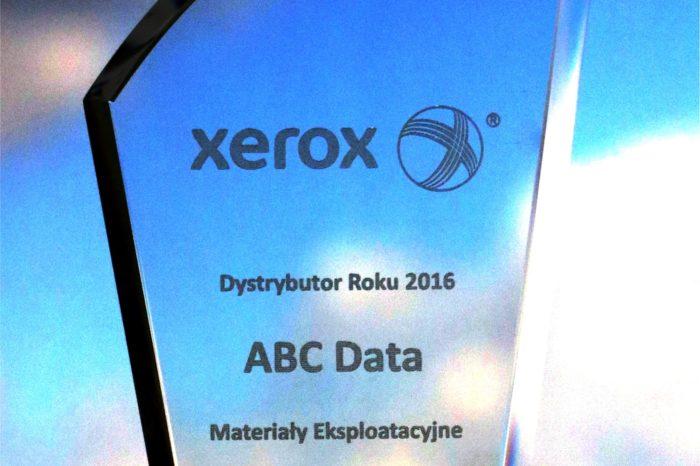"""ABC Data na Spotkaniu Partnerskim Xerox została uhonorowana tytułem """"Dystrybutora Roku 2016"""" w kategorii Materiały Eksploatacyjne."""