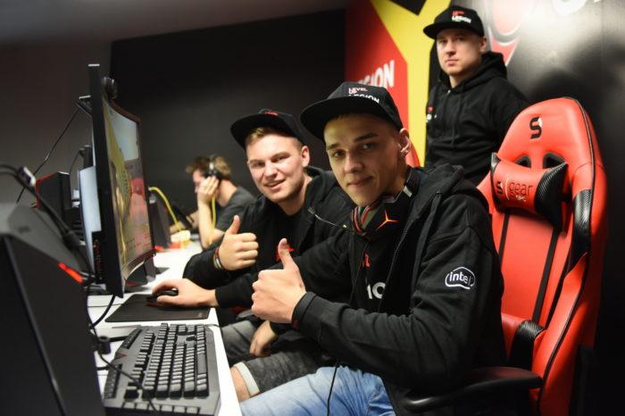 Psychologiczna strona gamingu - Niezwykle efektywne spotkanie psychologa sportu Jakuba Załuski z drużyna The Legion.