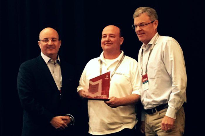 Infoblox na konferencji MPOWER DevCon został uznany przez McAfee za Najbardziej Innowacyjnego Partnera w 2017 - Ogłoszono dostępność wspólnego zintegrowanego rozwiązania.