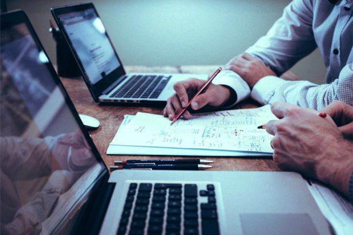Koniec stagnacji, wysokość nakładów przedsiębiorstw na IT ma ulec diametralnej zmianie, firmy zwiększają budżety na informatykę.