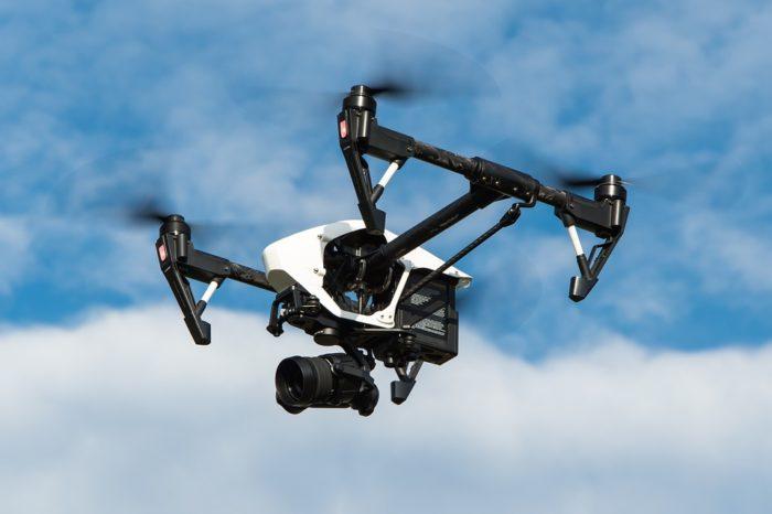Konferencja U-Space: Trzeci wymiar miasta. UE – samorządy – drony. Korzyści i zagrożenia związane z użytkowaniem dronów dla samorządów i gmin.