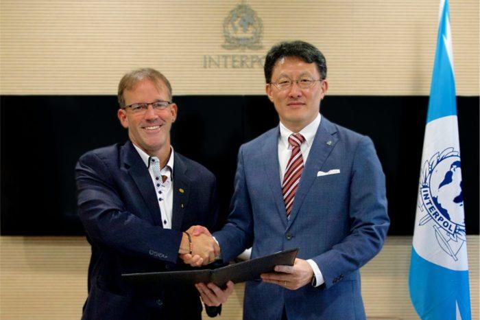 Cisco i Interpol podpisały porozumienie w ramach walki z cyberprzestępczością - o wymianie danych i technologii inteligentnego wykrywania zagrożeń.