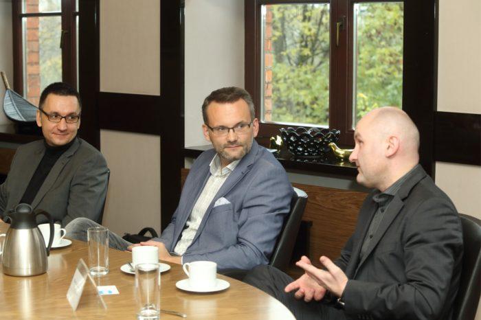 Debata IT Reseller Business Club – Biznes w Chmurze, Chmura w biznesie (cz. 2 z 3): Ofensywę chmury powstrzymują stereotypy, mity i brak zrozumienia.