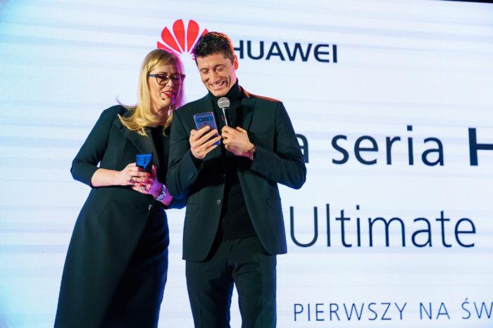 Robert Lewandowski na Polskiej Premierze Huawei Mate 10 Pro - pierwszego na świecie smartfona wyposażonego w procesor ze sztuczną inteligencją.
