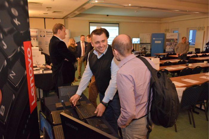 """""""Swobodny lot do bardziej cyfrowego świata"""" - pod takim hasłem odbyło się niezwykłe spotkanie dla praktyków IT zorganizowane przez Komputronik Biznes."""