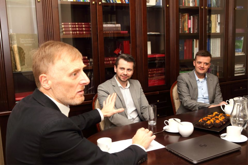 Debata IT Reseller Business Club – Cyberbezpieczeństwo Polski (cz. 3 z 4): Cyberbezpieczeństwo i kryptowaluty wzajemnie się wykluczają.