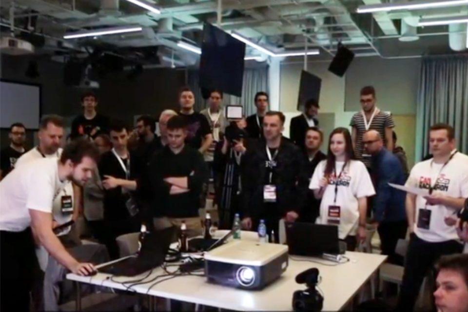 CanonHackaton – 24-godzinny konkurs dla programistów który odbył się w Google Campus Warsaw, udowodnił że w projektorach jest moc!