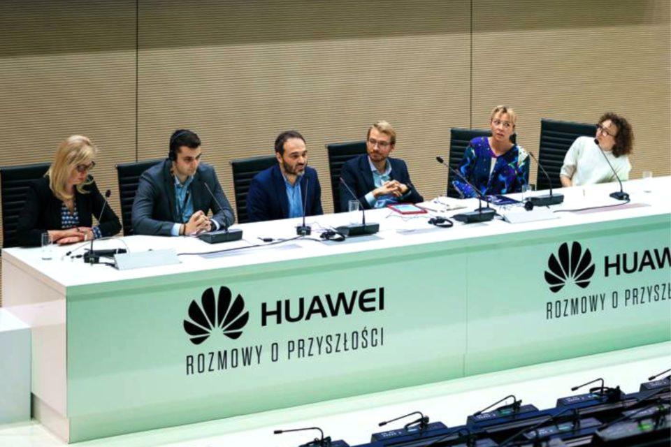 Sztuczna inteligencja – gotowi na rewolucję? Podczas kongresu Huawei - Rozmowy o Przyszłości przedstawiono wyniki najnowszego badania na temat postaw Polaków wobec sztucznej inteligencji.