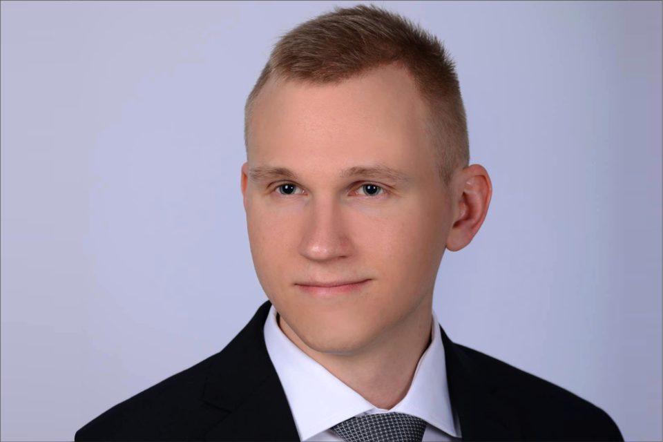 Tech Data Polska - Dawid Banasiuk odpowiedzialny za rozwój sprzedaży produktów i rozwiązań sieciowych marekRuckus Networks, Extreme Networks, Broadcom, Mellanox oraz QLogic.
