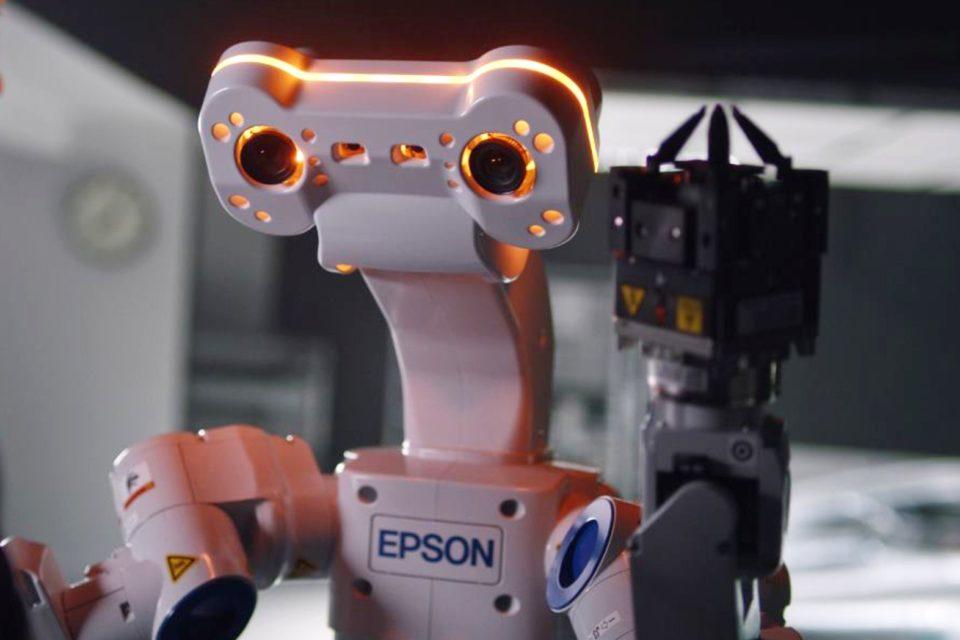 EPSON podczas targów automatica 2018 najbardziej rozbudowane portfolio robotów w historii - Inteligentny robot Epson WorkSense W-01, który widzi, czuje, myśli i pracuje, wkracza do Europy!