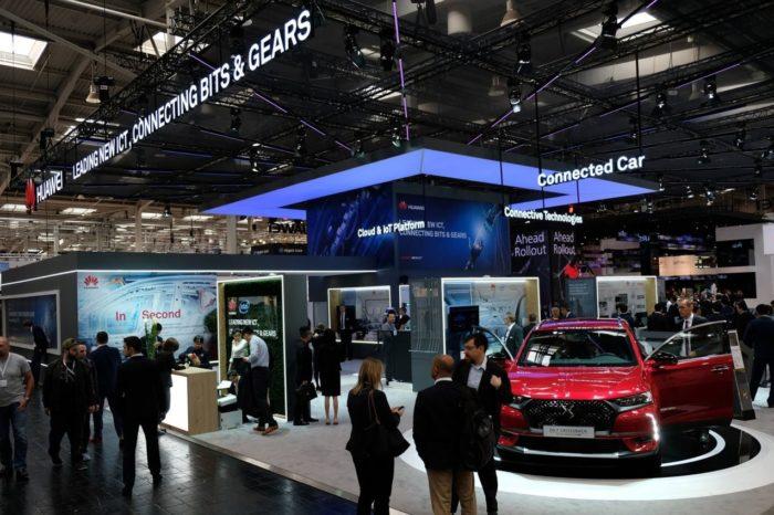 Huawei podczas targów CeBIT 2018 w Hanowerze zaprezentował nowości dla branży motoryzacyjnej - Nowa wersja platformy OceanConnect IoV.