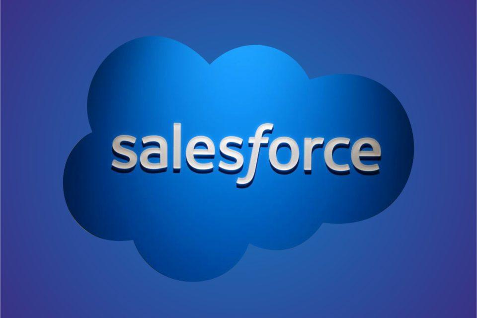 """Raport Salesforce """"Marketing Trends across Retail and Consumer Goods"""" - W handlu detalicznym i w sektorze dóbr konsumpcyjnych klienci oczekują """"hiperpersonalizacji"""" i zunifikowanej obsługi na wszystkich poziomach."""