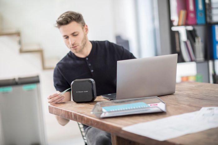 Brother zaprezentował najnowszą drukarkę etykiet dla firm i do użytku domowego z serii P-touch, model CUBE PLUS - wszechstronna w bardzo eleganckim designie.