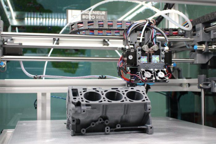 Europa inwestuje w druk 3D. Eksperci szacują że w ciągu najbliższych czterech lat, wartość rynku druku 3D się podwoi, już w tym roku będzie to ponad 4 mld dolarów.