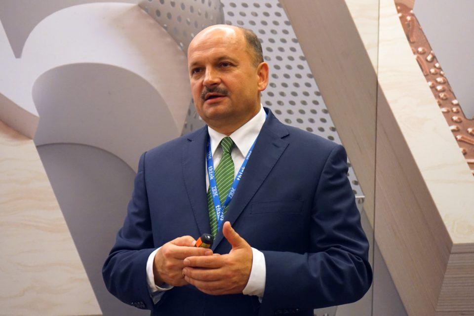 IBM podczas konferencji IBM THINK Warsaw 2018 przedstawił swoją listę 5-in-5, czyli listę 5 przełomowych innowacji na kolejne 5 lat, które mogą kompletnie zmienić oblicze ludzkiej pracy czy życia.