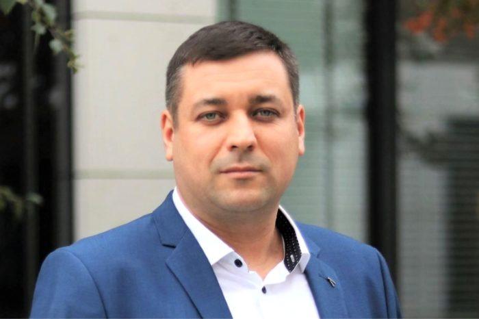 Nowy Szef Sprzedaży w SHARP - Krzysztof Nikisz dołączył do zespołu Sharp Electronics CEE, obejmując stanowisko Szefa Sprzedaży Visual Solutions w Polsce.
