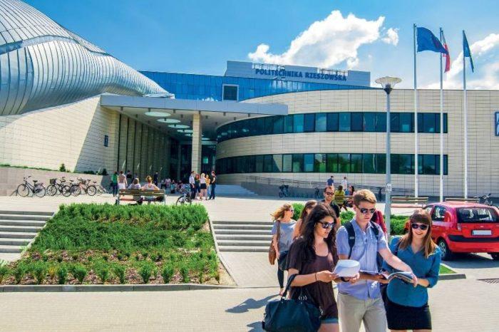 Politechnika Rzeszowska wzmacnia swoją ofertę w zakresie edukacji technologicznej dzięki zacieśnieniu partnerstwa w ramach Microsoft Dynamics Academic Alliance.