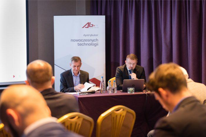Grupa AB S.A. coraz mocniej zyskuje dzięki unikalnemu modelowi biznesowemu, dystansując konkurentów - staje się dystrybutorem pierwszego wyboru.
