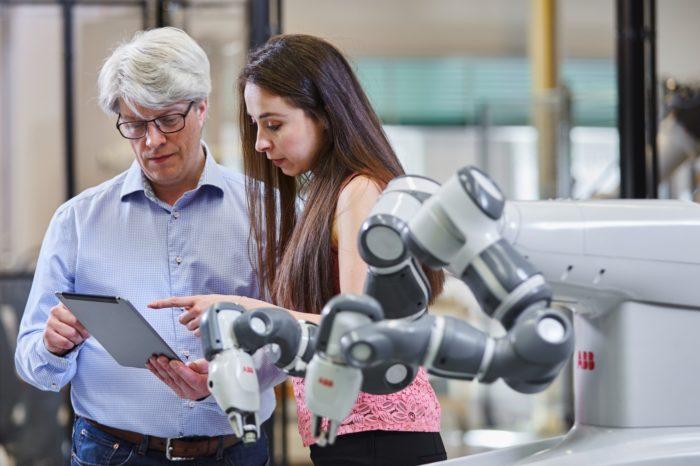 ABB uruchamia program akceleracyjny dla startupów ABB Industrial AI Accelerator, będzie służył promowaniu rozwoju sztucznej inteligencji (AI) w przemyśle oraz realizacji kolejnego etapu rewolucji przemysłowej.