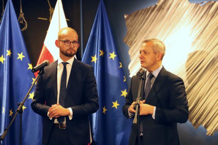 Porozumienie Ministerstwa Cyfryzacji oraz Facebooka - Polska została pierwszym krajem z możliwością weryfikacji odmownej decyzji o blokadzie treści.