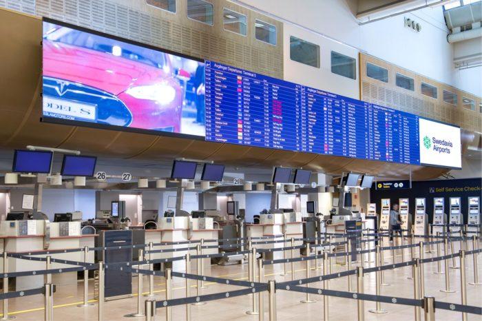 Gigantyczne ekrany LED na największym w Szwecji lotnisku Arlanda w Sztohkolmie - dzięki współpracy NEC Display Solutions z firmą Swedavia.