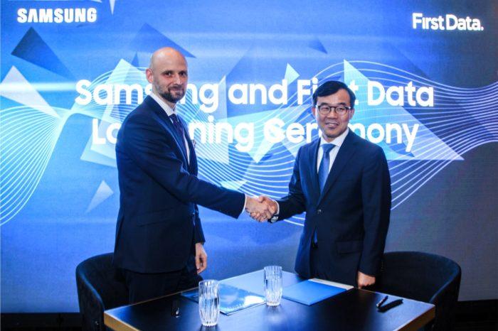 Samsung Electronics Polska i First Data Polska podpisały porozumienie - wspólnie stworzą i wdrożą rozwiązanie Software POS czyli zamienią smartfon w mobilny terminal płatniczy.