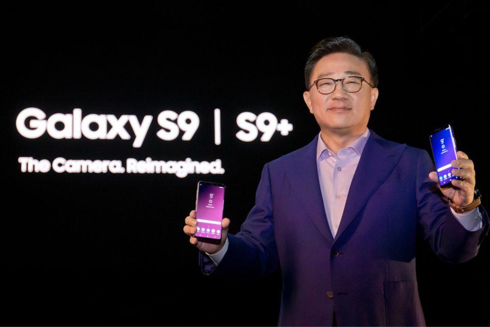Komputer w kieszeni, czyli jak zmieniał się rynek smartfonów w 2018 roku. Czym zaskoczy nas producenci w 2019 roku?