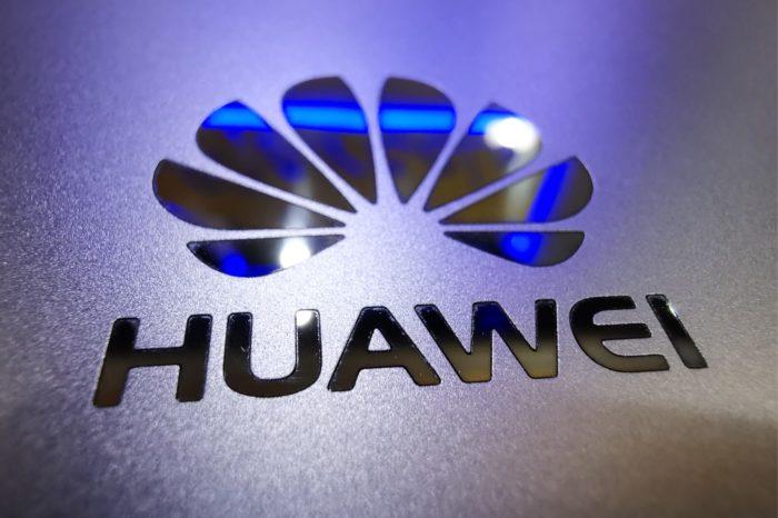 Huawei oficjalnie wprowadził do sprzedaży IdeaHub - rozwiązanie do budowy środowiska pracy przyszłości z wbudowanymi mechanizmami bazującymi na sztucznej inteligencji.